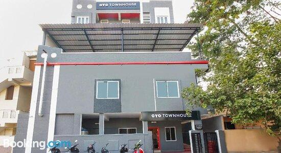 Pictures of OYO Townhouse 269 RCC Sunrise - Hyderabad Photos - Tripadvisor