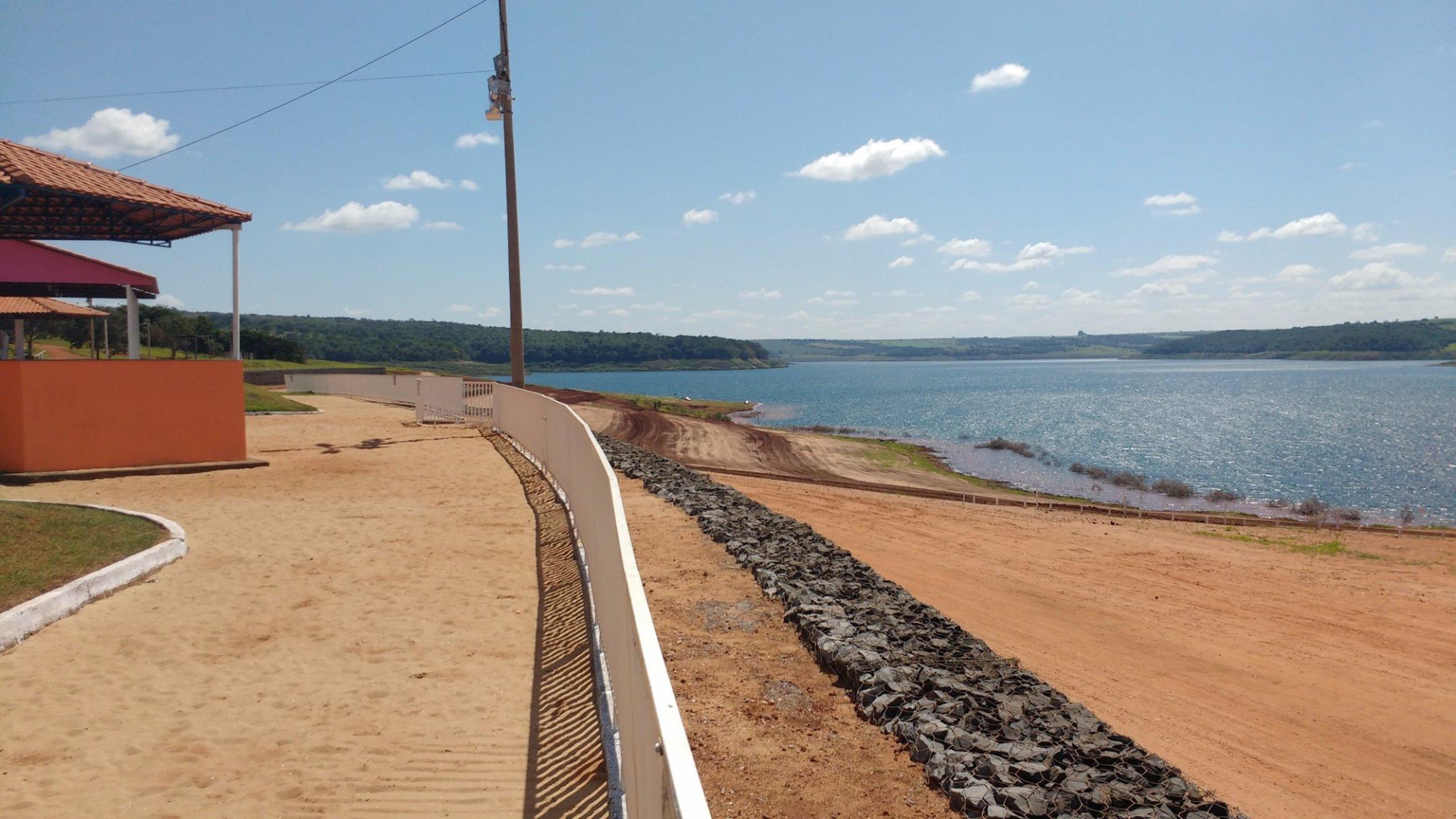 Nova Ponte Minas Gerais fonte: media-cdn.tripadvisor.com