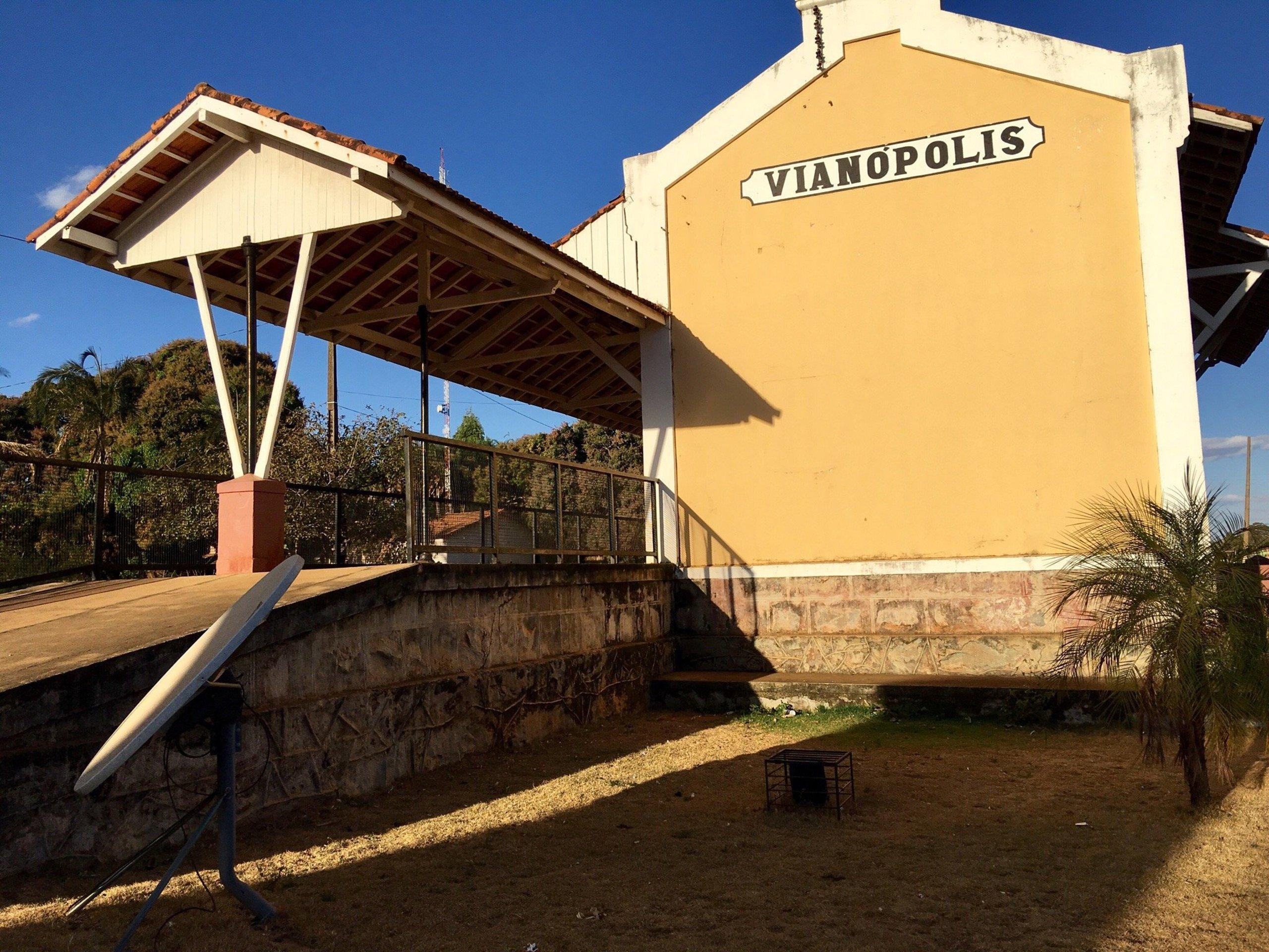 Vianópolis Goiás fonte: media-cdn.tripadvisor.com