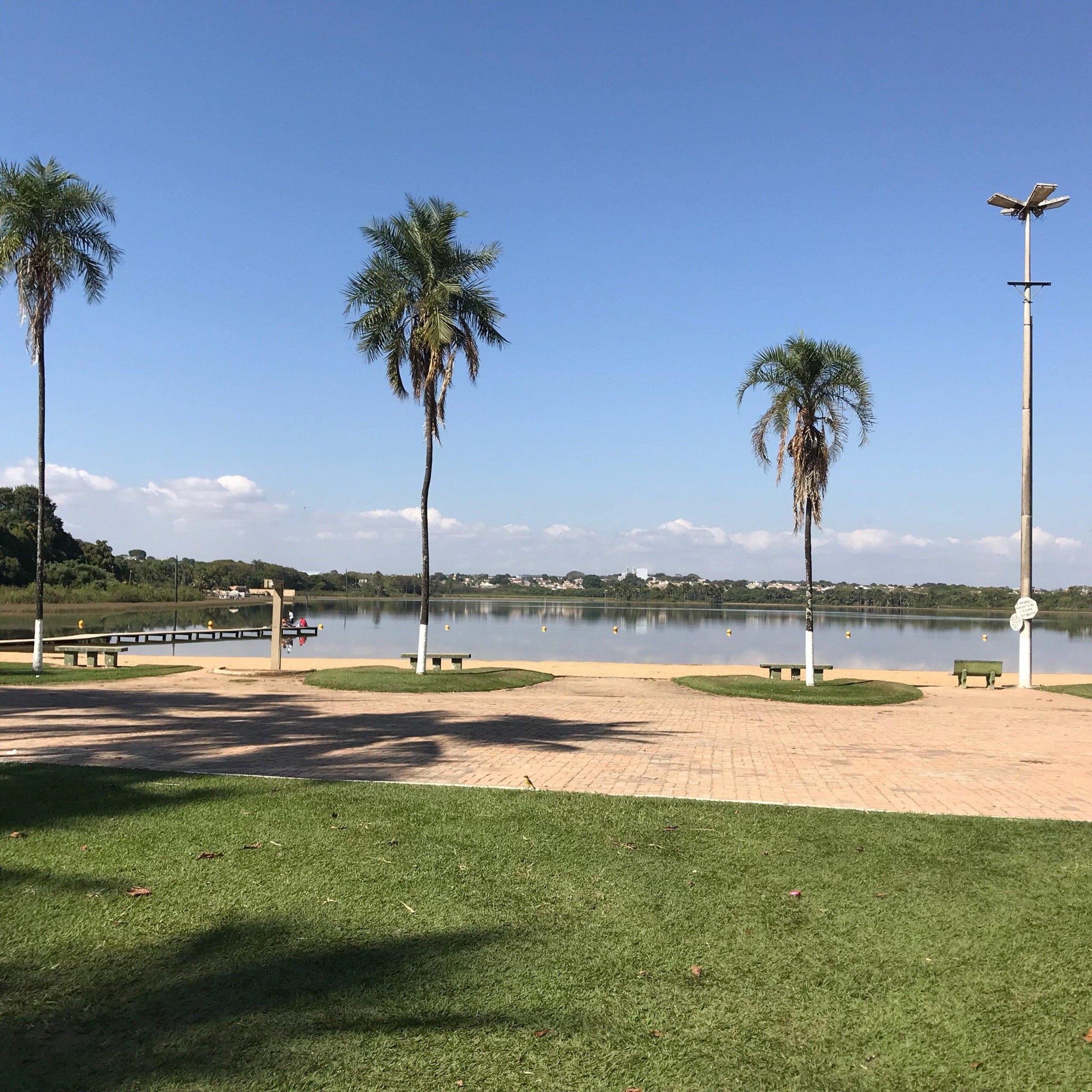 Lagoa da Prata Minas Gerais fonte: media-cdn.tripadvisor.com