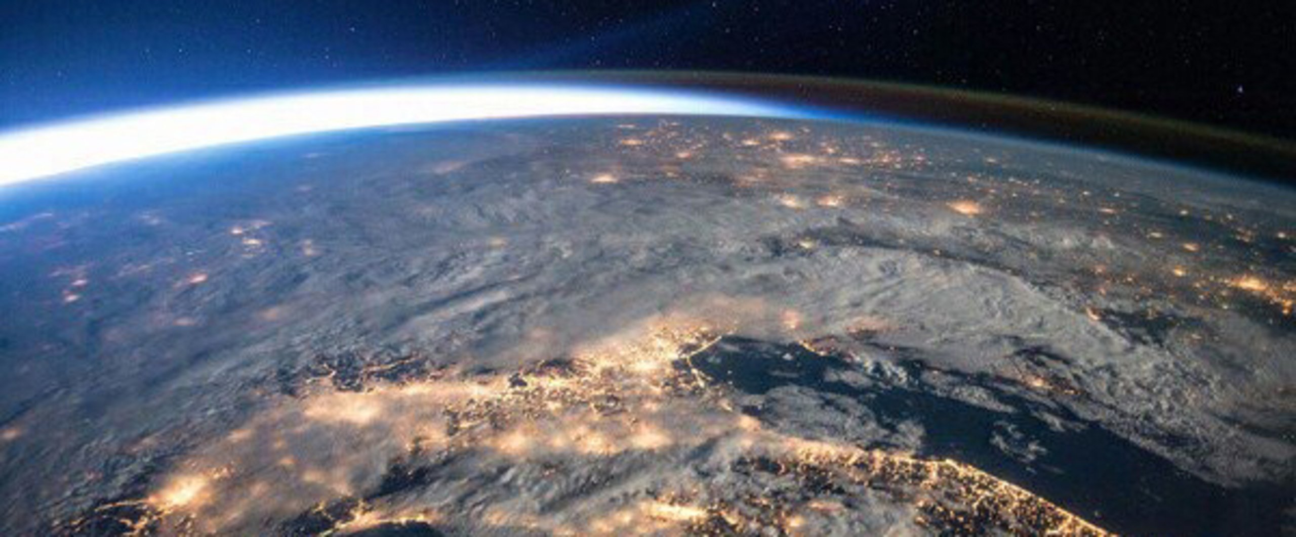 earth orbit video - HD1200×798
