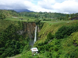 Sipiso Piso Waterfall