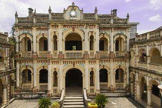 Hoang A Tuong's Castle