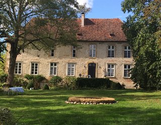 Chateau de Momas