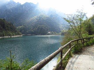 Lago della Stua in Val Canzoi