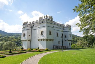 "Exhibition and Conference Centre ""Castle in Szymbark"""