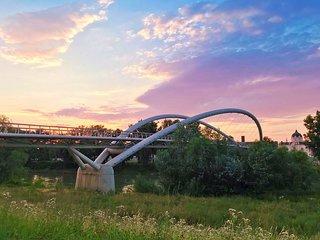Tiszavirág Pedestrian Bridge