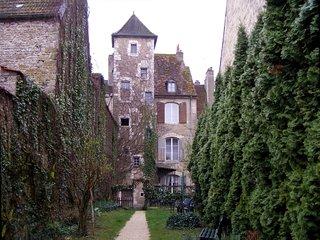 Tour Saint-Pierre-Fourier