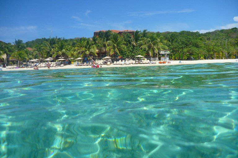 best beaches in roatan Honduras, roatan things to do