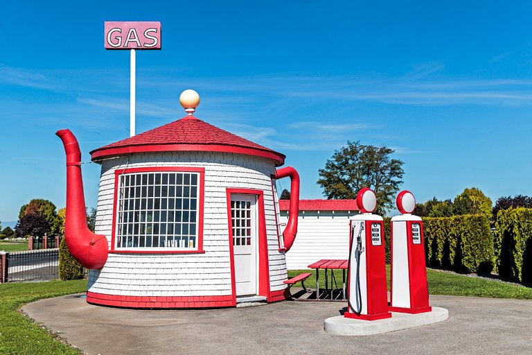 Find Me The Closest Gas Station >> The Teapot Dome Gas Station Zillah Wa Arvostelut
