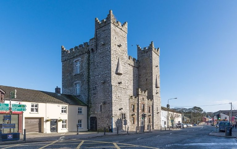 The best available hotels & places to stay near Ardee, Ireland