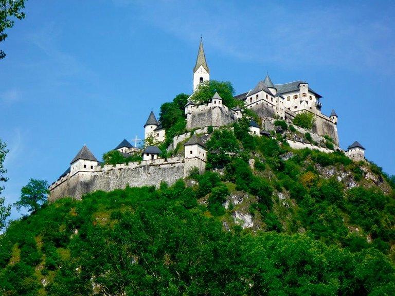 Kết quả hình ảnh cho Hochosterwitz Castle