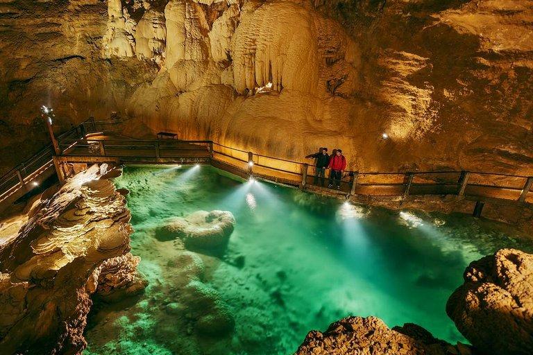 Resultado de imagen para cuevas de padirac