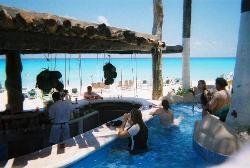 Jacuzzi Bar on the Beach!