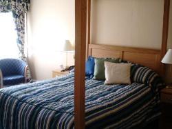 room 103(bed)