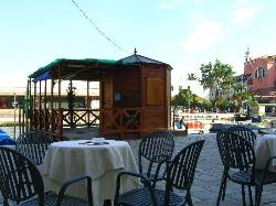 The gondoliers hut in front of the hotel