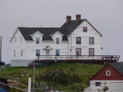 Seven Oakes Island Inn & Cottages