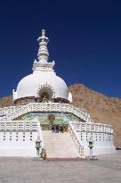 shanti stupa in Leh (1783294)