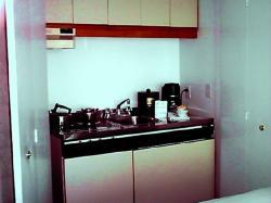 Le Cantlie Suites-kitchenette