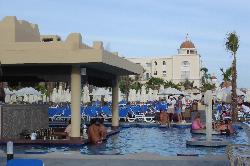 Swim up bar RIU SANTA FE