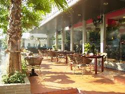 Cafe (Alfresco)
