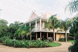 Victoria Inn and Gardens