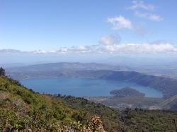 coatepeque lake 2