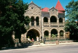 Hill Country Museum - Schreiner Mansion