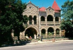 Hill Country Museum - Schreiner Mansion