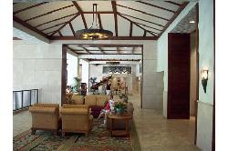 Lobby (spacious and open to ourdoors)