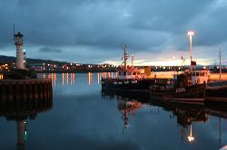 Kirkwall Harbour at night (18290197)