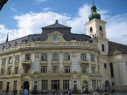 Sibiu main square building (18300635)