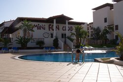 Mini Fun Club con la piscina per grandi e piccini