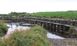 Ireland: co. Mayo - Clew Bay Trail 14 - The Clapper Bridge