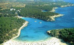 Hostal Playa Mondrago