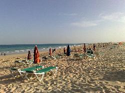 una panoramica della spiaggia
