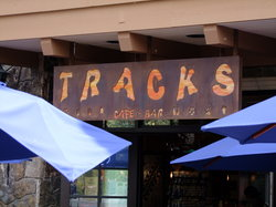 ‪Tracks Cafe & Bar‬