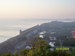 Tungabhadra Gardens and Dam