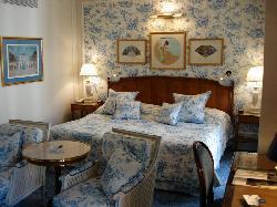 Hôtel de Paris, room