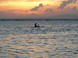 Early morning fishing at Nusa Dua (19158062)