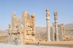 موقع برسبوليس الأثري