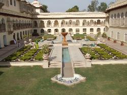 ホテルの中庭