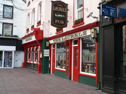 ‪The Laurels Pub‬