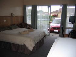 Regan Lodge Motel