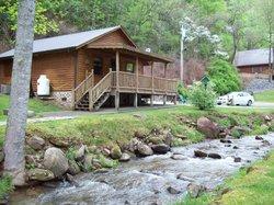 Lands Creek Log Cabins