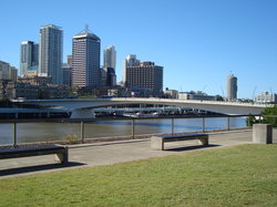 Brisbane skyline from South Bank (19762942)