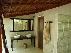 Beach bungalow outdoor bathroom
