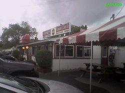 Winnie's Restaurant & Dairy