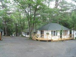 Hinckley's Dreamwood Cabins