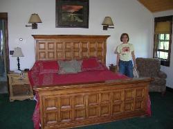 Bedroom in unit 707